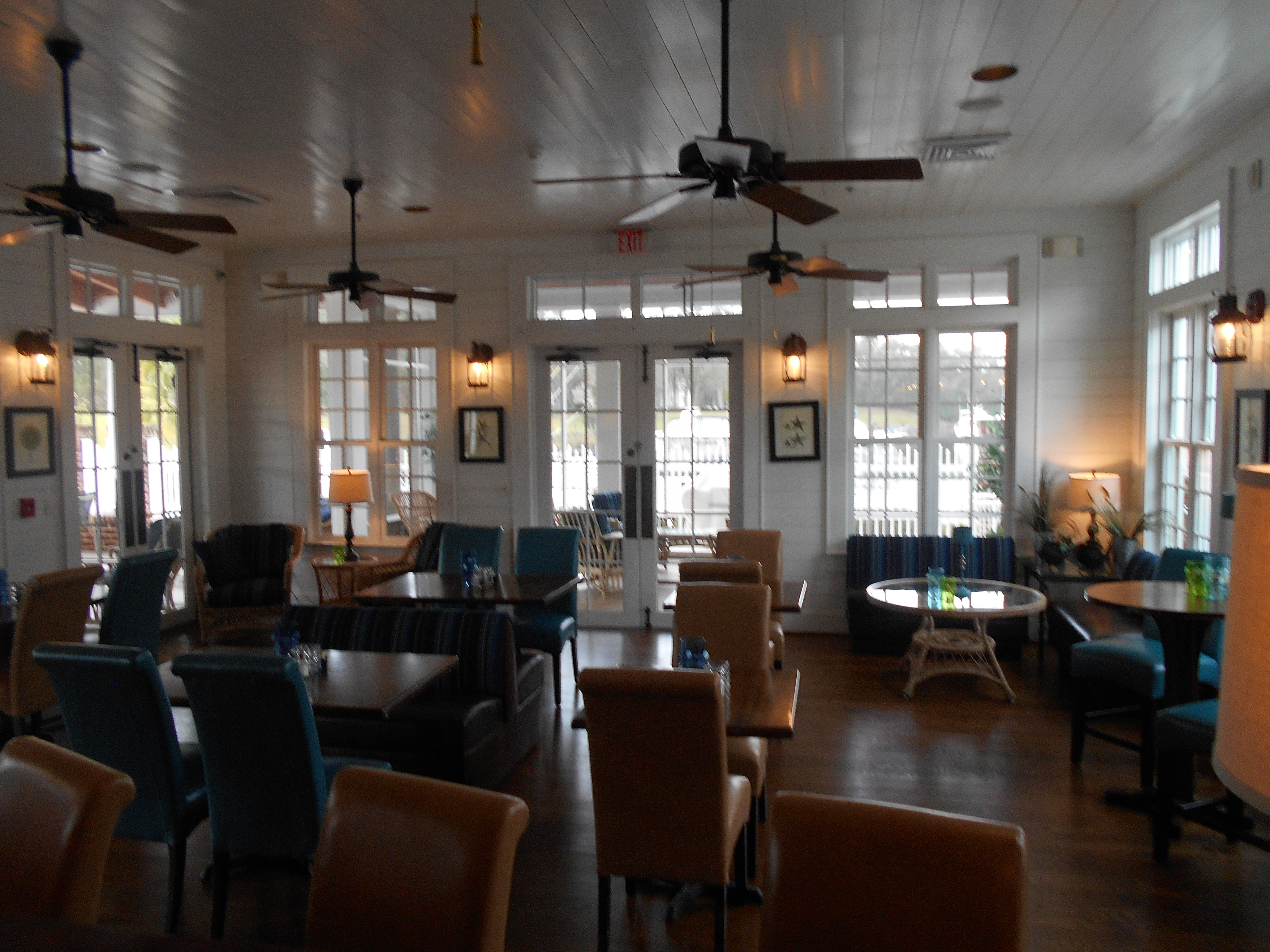 The dining room at Reserve Harbor Yacht Club