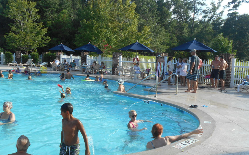 Full pool at Reserve Harbor Yacht Club for July 4th